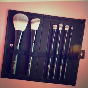 Crown Brush 6 Piece Brush Set
